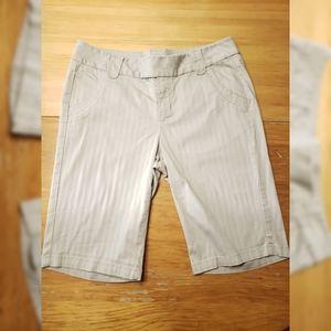 DKNY Bermuda Shorts Tan 10